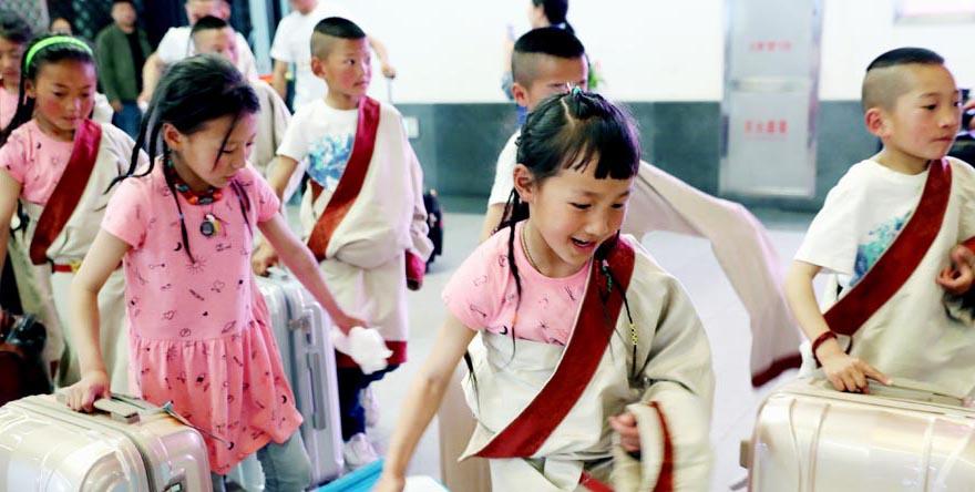 Le nombre de voyages d'études à l'étranger faits par des étudiants chinois devrait atteindre 1 million cette année.