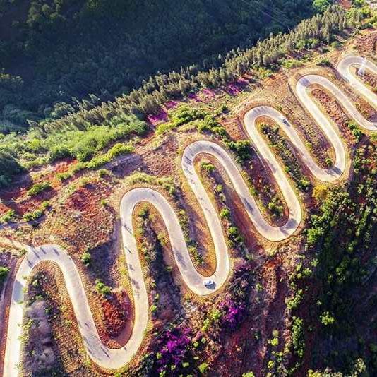 La route la plus tortueuse - 68 virages au Yunnan