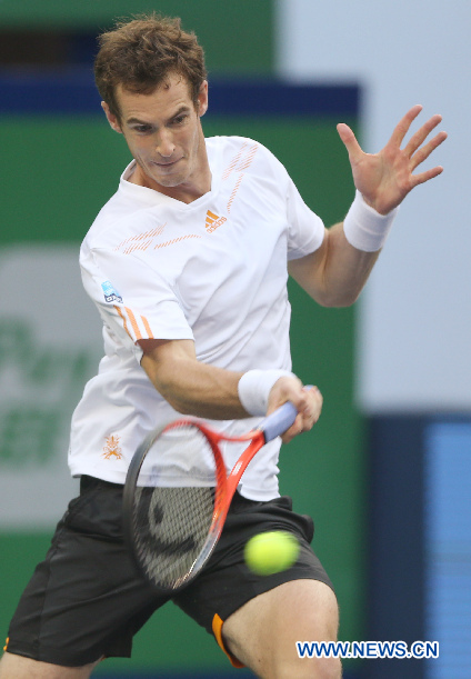 Le Britannique Andy Murray lors de son match en quarts de finale du Masters de Shanghai contre le Tchèque Radek Stepanek à Shanghai, Chine, le 12 octobre 2012. Andy Murray a remporté le match 2 à 1. (Photo : Fan Jun)